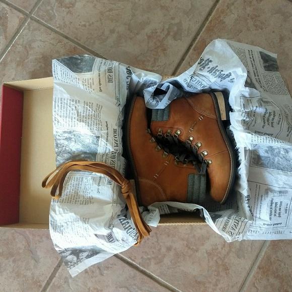 e8a61ba46232 Kodiak Shoes - Kodiak Women s Surrey II Caramel Hiking Boots